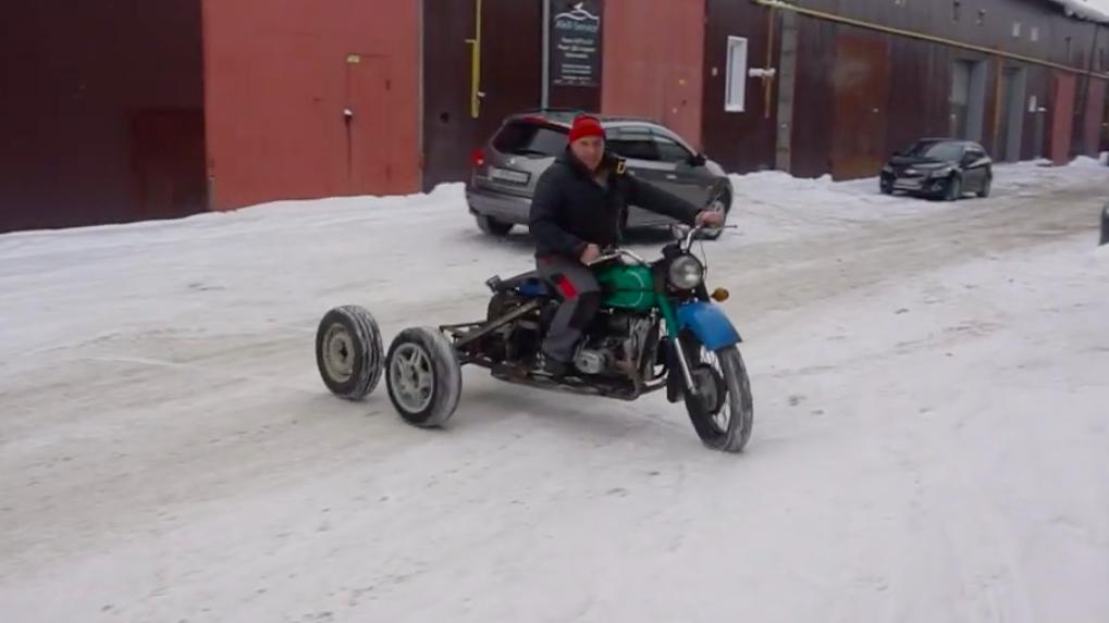 Новосибирец создал мотоцикл-вездеход и устроил тест-драйв по дорогам