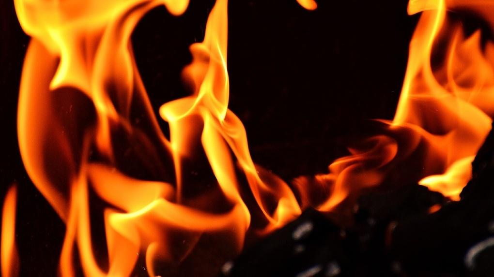 На Новосибирском заводе «Сибэлектропривод» вспыхнул пожар