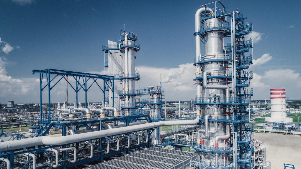 На Омском НПЗ повышают эффективность первичной переработки нефти