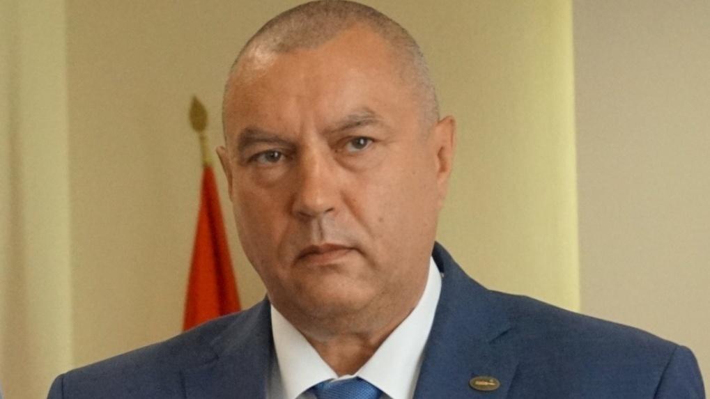 Омские депутаты наполовину уменьшили премии команде временного мэра Фролова