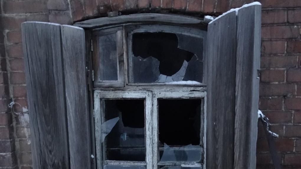 Новосибирцев приглашают прогуляться по исчезающей улице с вековыми домами