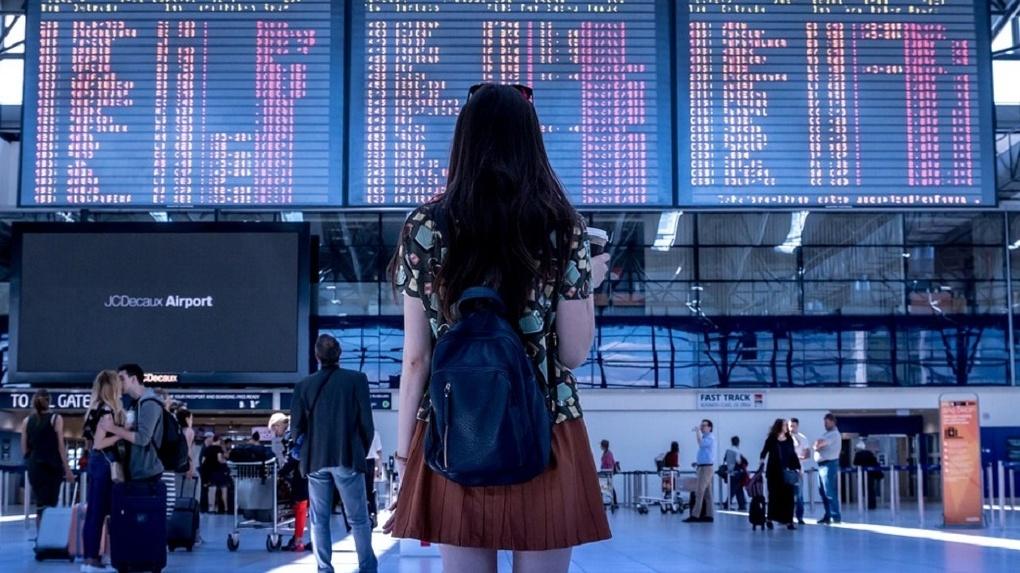 Омский аэропорт пытается вернуть пассажиров, которые предпочитают летать из других городов