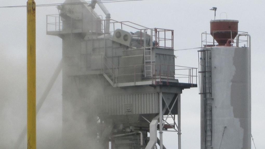 Омский асфальтовый завод «переехал» и вновь начал травить жителей
