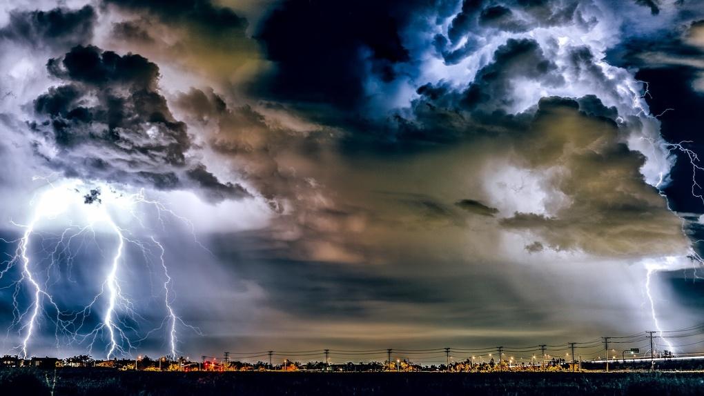 На День города в Омске ожидаются шторм и гроза