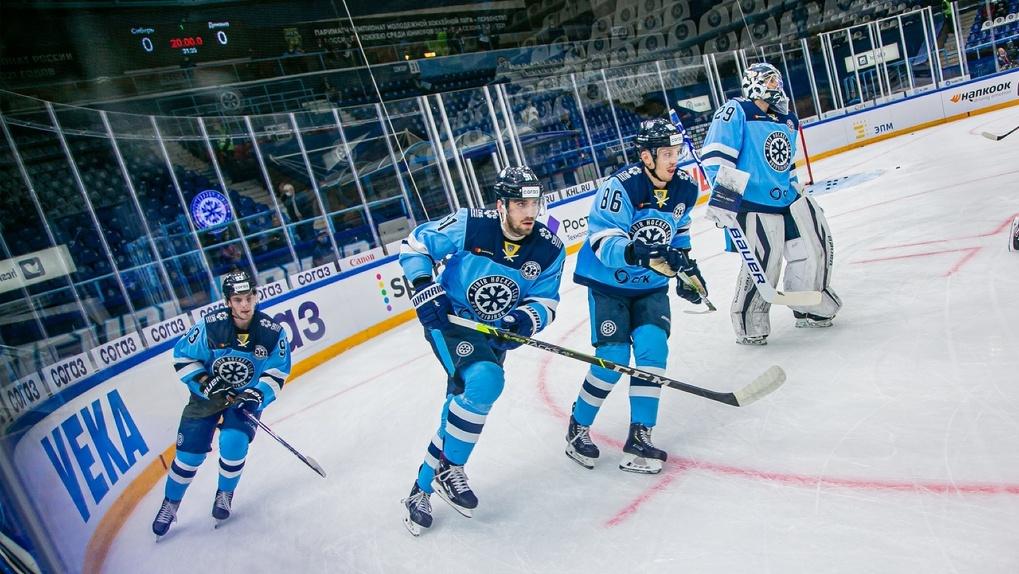 Хоккейная команда «Сибирь» одержала победу в матче с «Динамо»