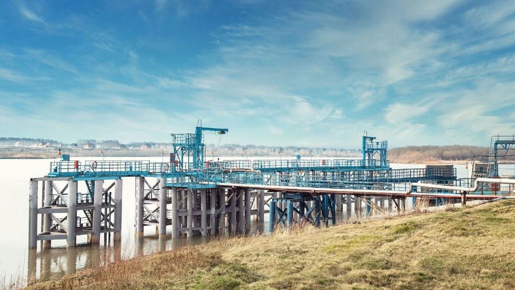 Омский НПЗ «Газпром нефти» модернизировал инфраструктуру для обеспечения Крайнего Севера нефтепродуктами
