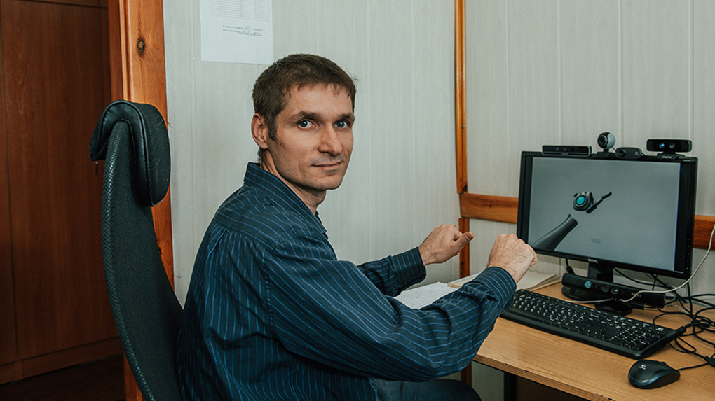 Путин выделил глухому программисту из Новосибирска 10 млн рублей на компьютерный переводчик жестов