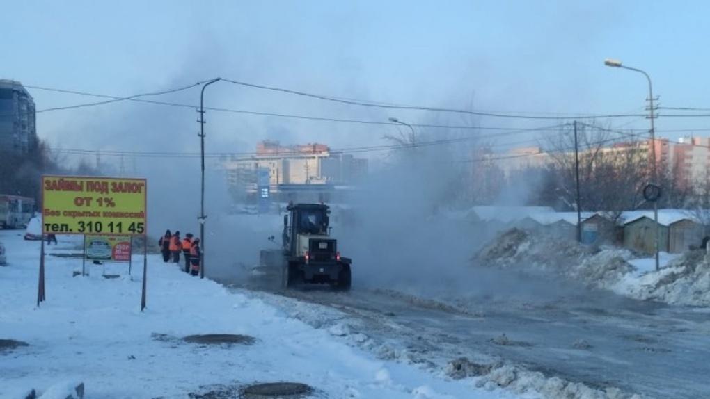 Коммунальная авария: в Новосибирске затопило целую улицу в новогоднюю ночь