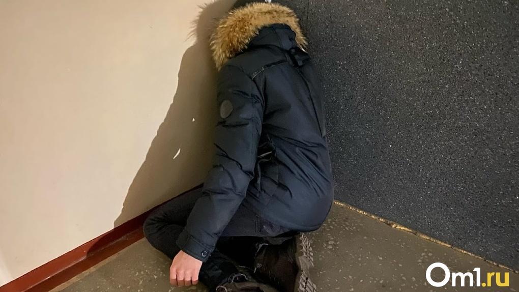 В Омске молодой уголовник вышел из тюрьмы и умер