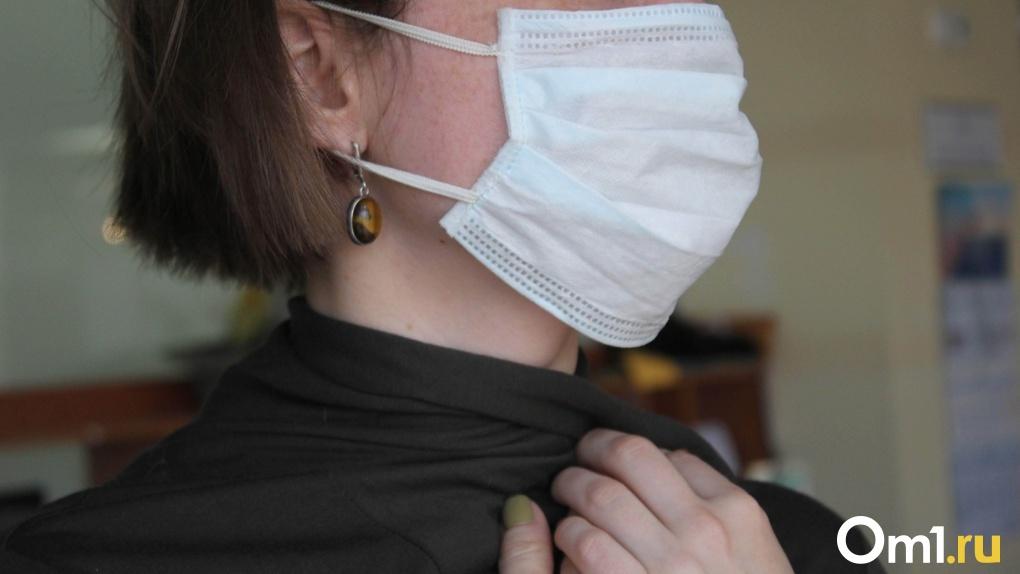 В Омск так и не привезли партию обещанных медицинских масок