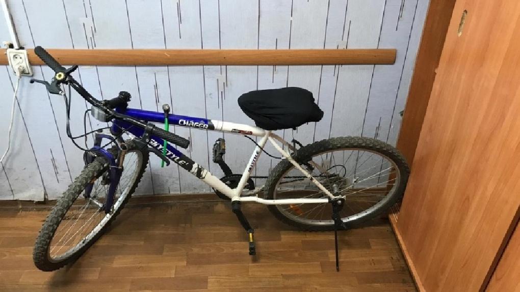 Омич-рецидивист угнал велосипед у бабушки