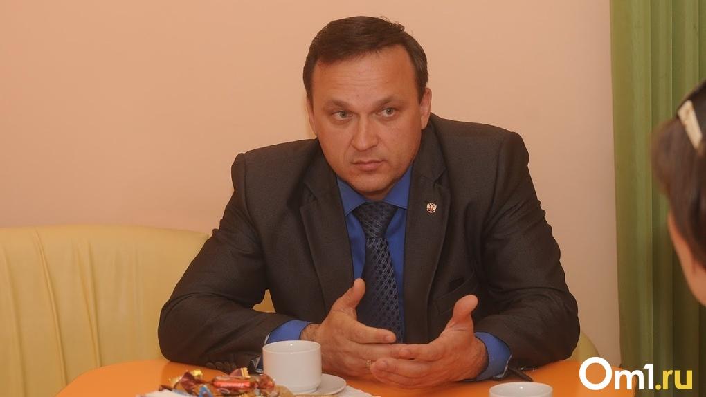 «Указал сумму не в той графе». Глава Омского района рассказал, за что на него подали иск