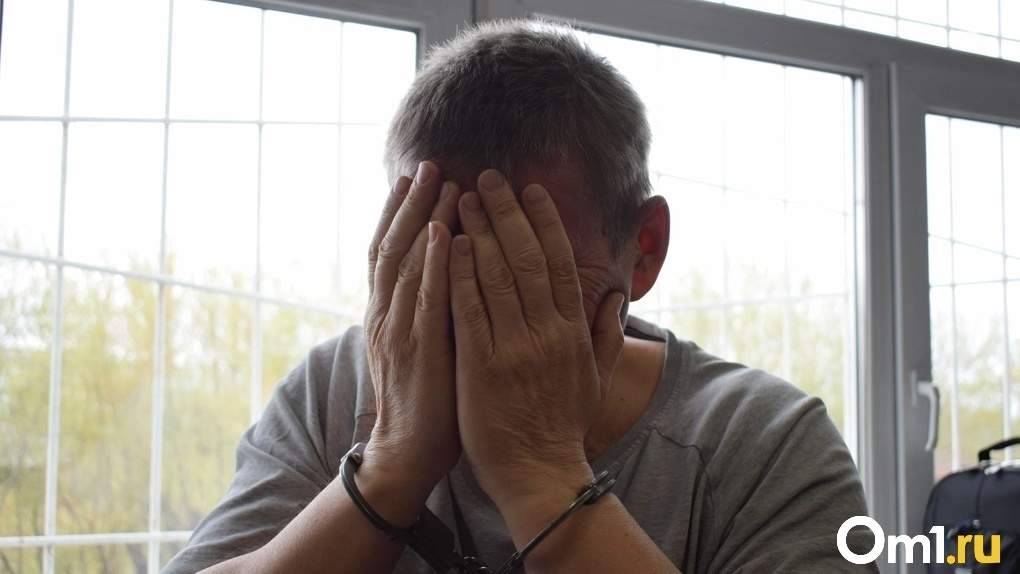Подчинял себе бандитов: видео задержания криминального авторитета Бая в Новосибирске попало в сеть
