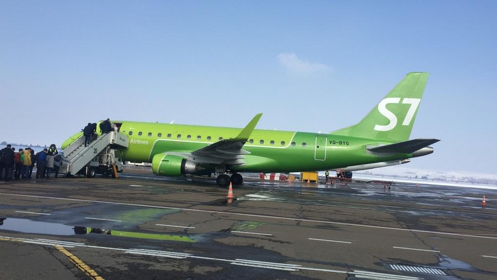 Новосибирская авиакомпания увольняет пилотов из-за кризиса