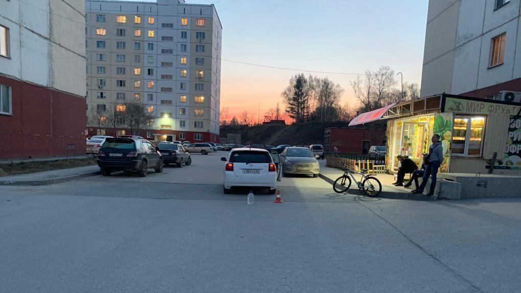 Новосибирский школьник-велосипедист попал под колеса автоледи и сломал позвоночник