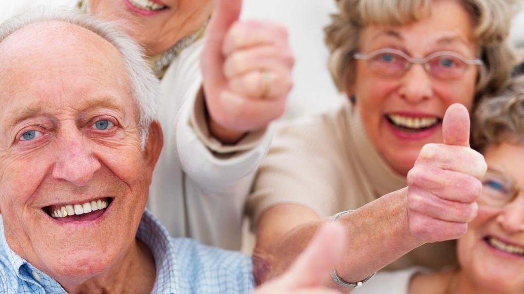 Омские пенсионерки чаще выходят замуж за молодых