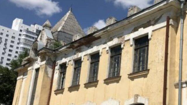 Новосибирцы просят мэра спасти легендарный памятник архитектуры