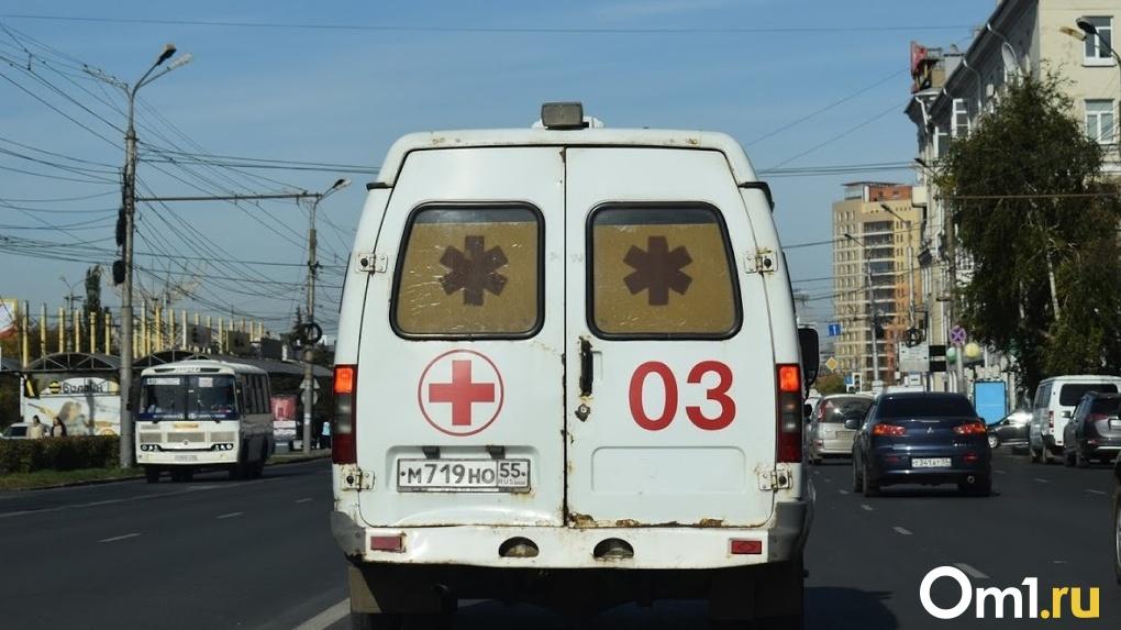В Омске во время самоизоляции школьников массово подбирают на улицах с отравлением