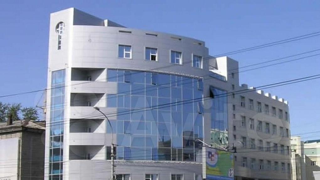 В Новосибирске продают бизнес-центр, принадлежащий матери самого богатого депутата-единоросса