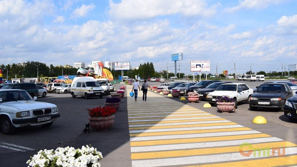 В Омске на желто-белую разметку на «зебрах» потратят 2,3 млн рублей