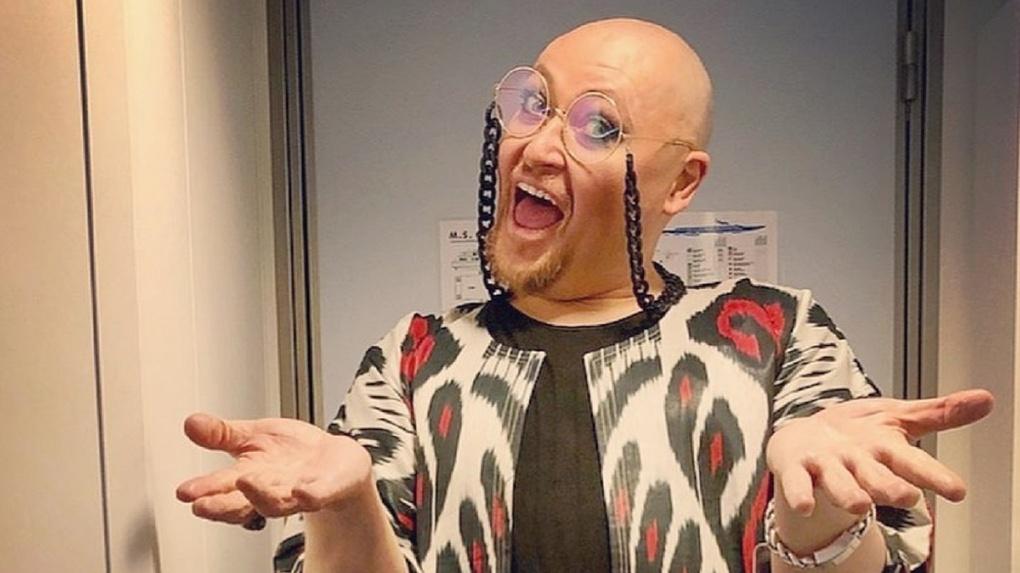 «Не пугайся, я сейчас по-другому выгляжу»: певец из Новосибирска Шура удивил свою мать резким похудением