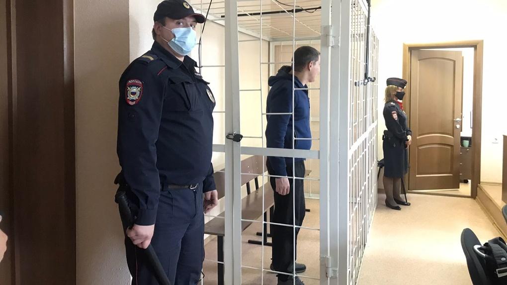 Шёл за ним с проходной: новосибирец убил начальника на остановке (видео)