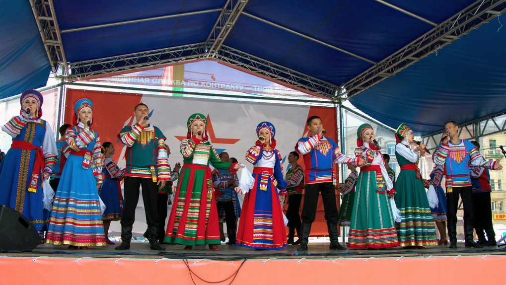 День народного единства в Новосибирске: «Ночь искусств» и поэтический джем