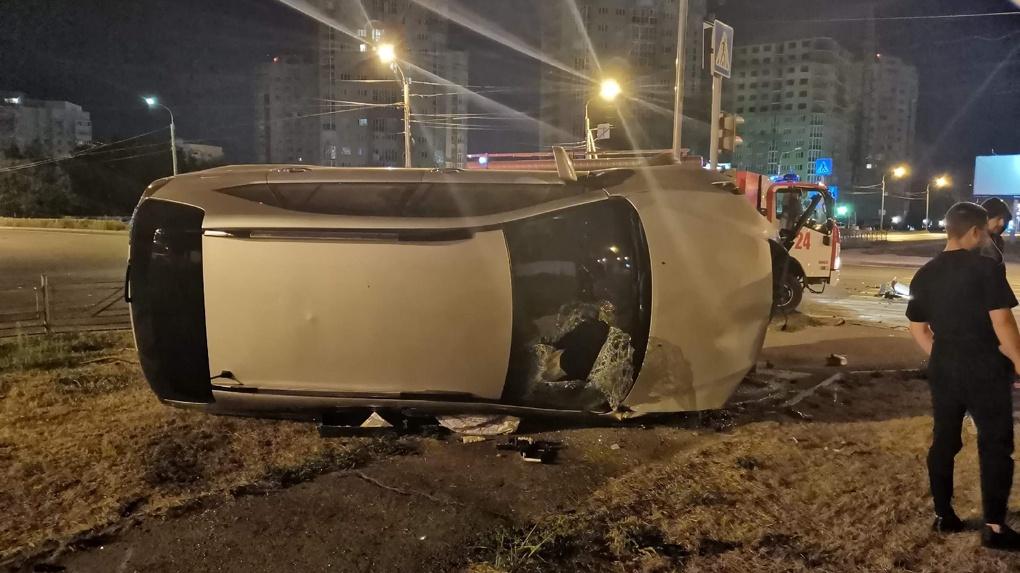 Последние минуты жизни. Появилось видео аварии, где таксист убивает двух омичек