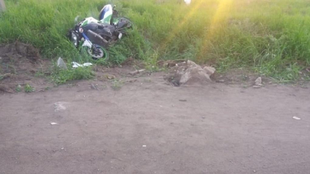 В Омске на Левобережье фура сбила байкера