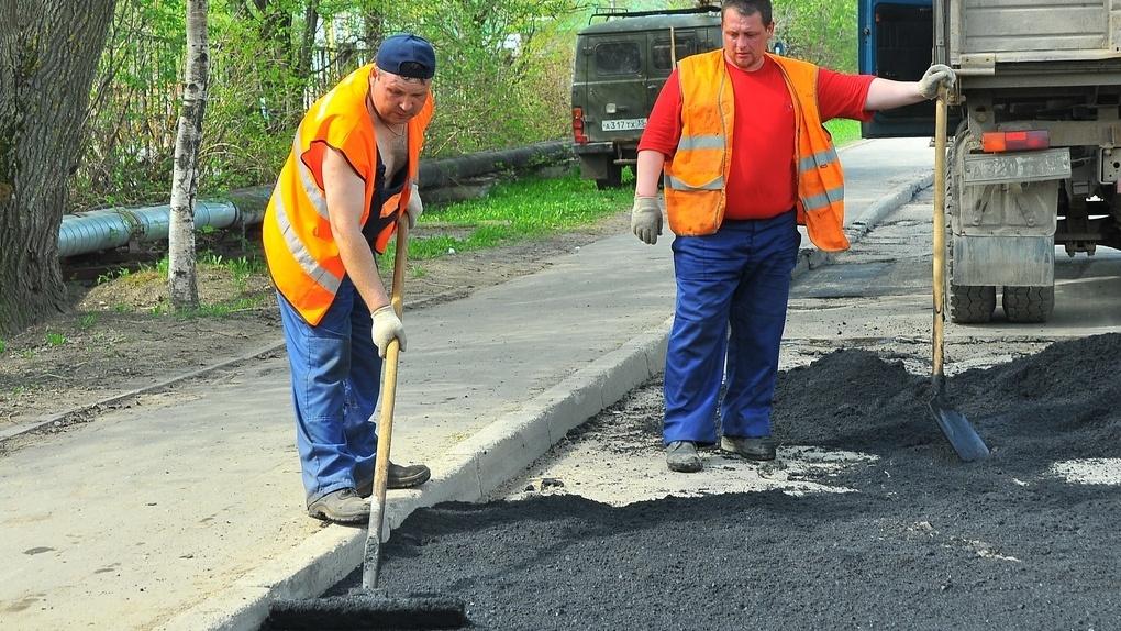 В Омске отремонтировали 338 тротуаров и проездов