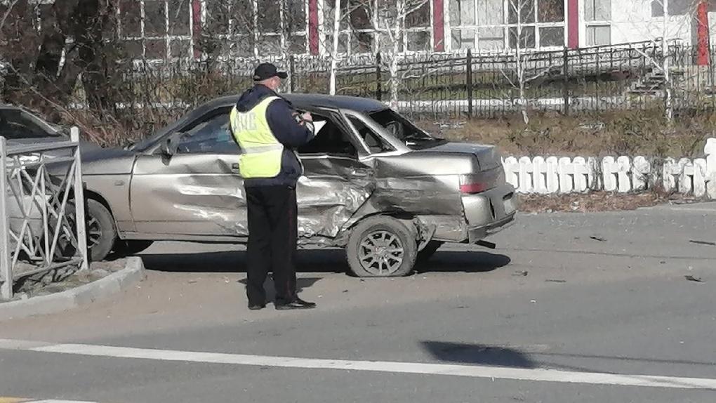Священник на Mercedes в день Пасхи уничтожил машину омича