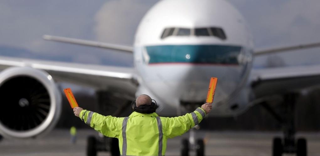 Двести омских туристов застряли в аэропорту Антальи
