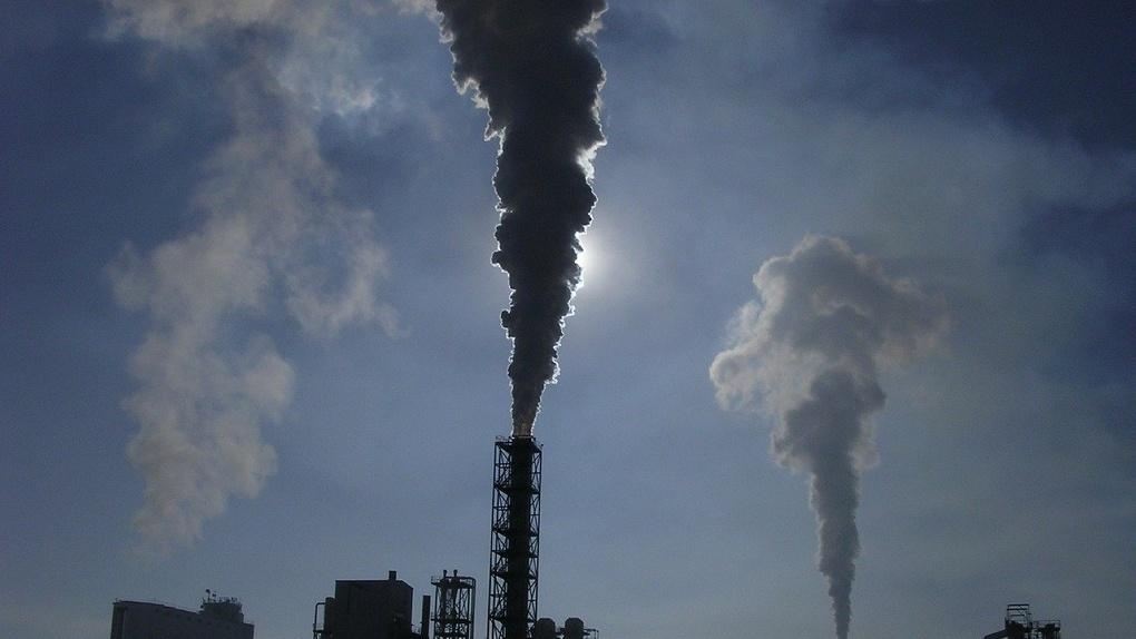 На выходных омичам вновь придется дышать выбросами