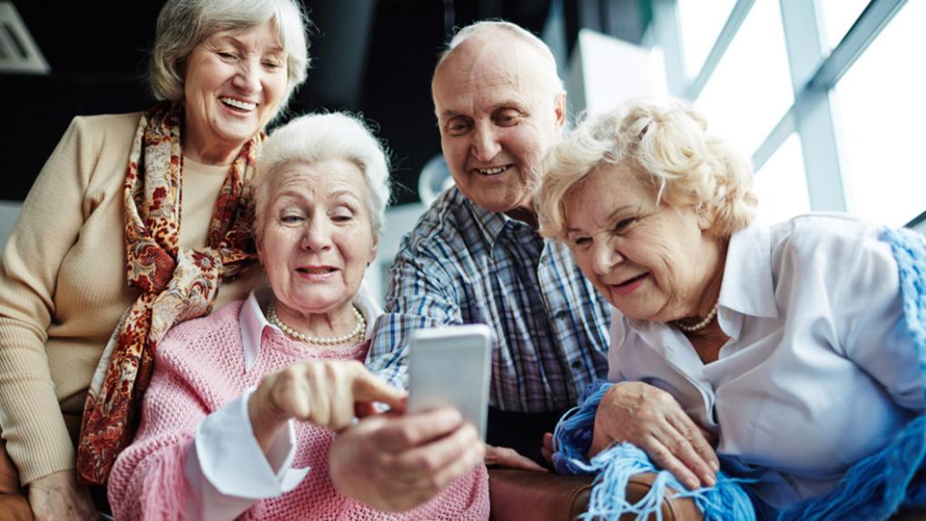 На пенсии и в онлайне: топ-5 пенсионерок, которые стали звездами интернета