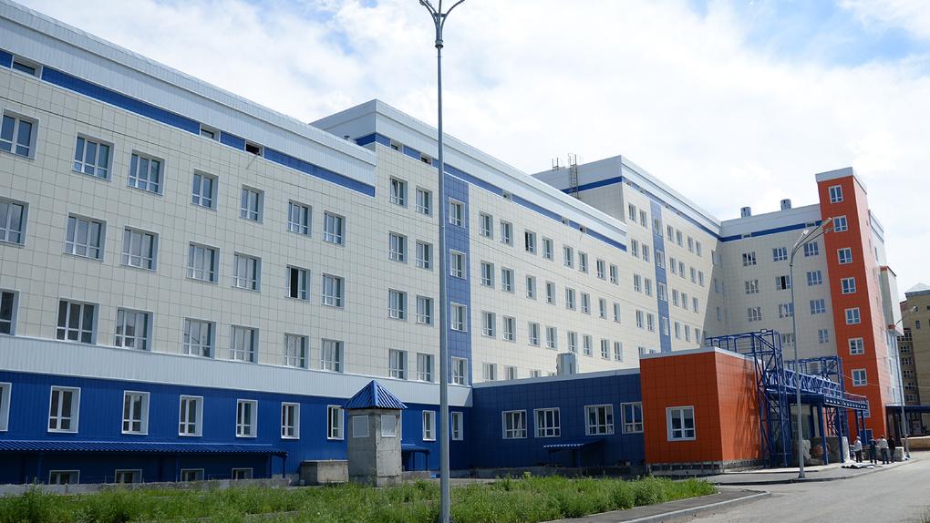 Сроки открытия поликлиники на Левобережье сдвинули на март