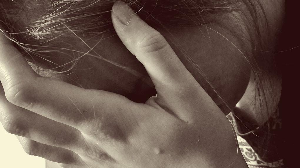 Новосибирец пытался силой усадить в машину 12-летнюю девочку