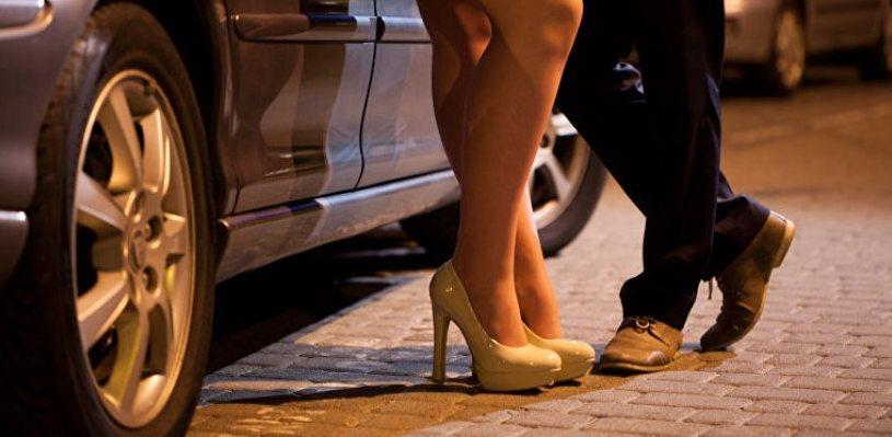 Житель Омска остался без ноутбука после бурной ночи с проституткой