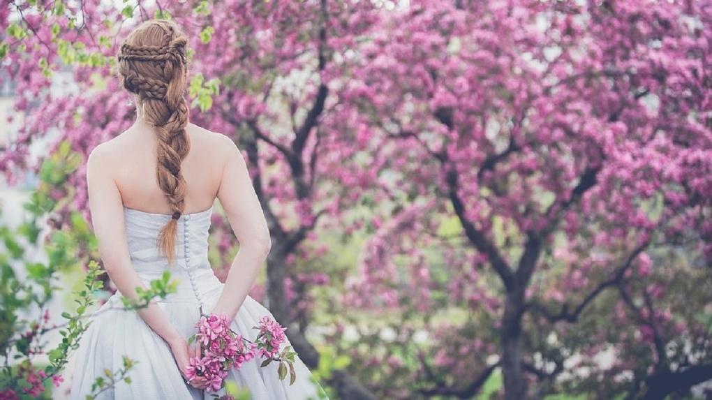 Свадебный переполох: жительницы Новосибирска массово скупают белые платья
