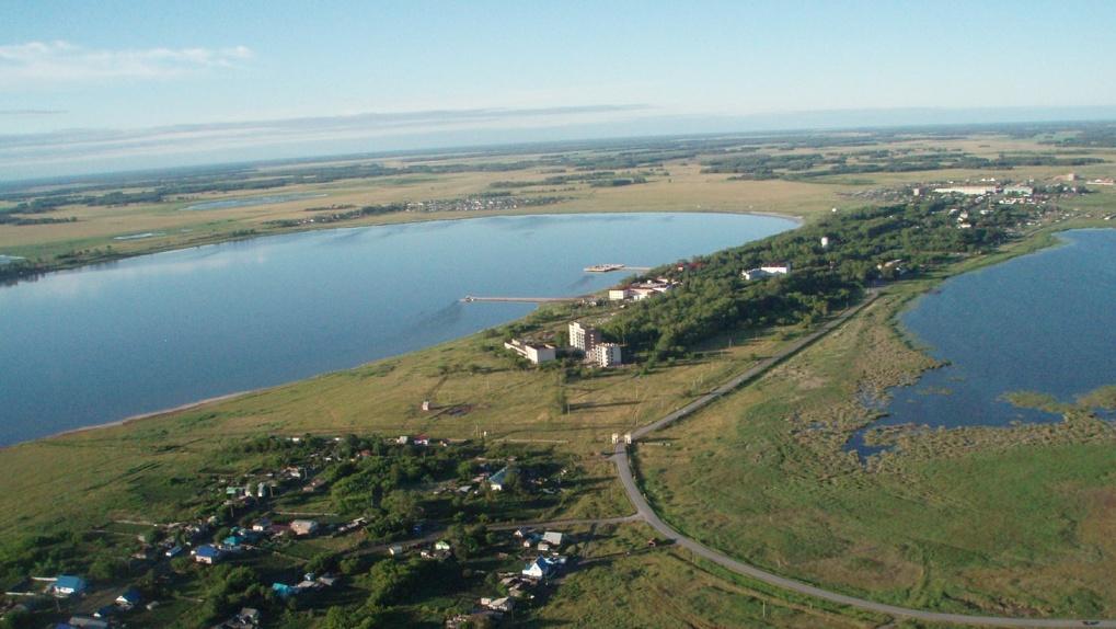 Мэр Новосибирска отдохнул на озере Карачи, которое находится за 400 километров от города