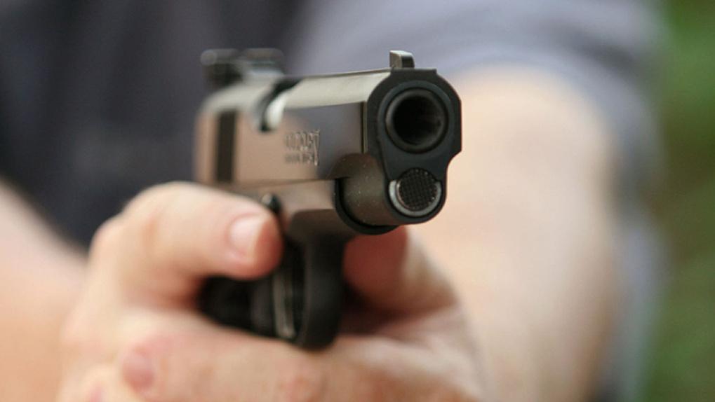 В Новосибирской области мужчина выстрелил из пистолета в семилетнего ребёнка