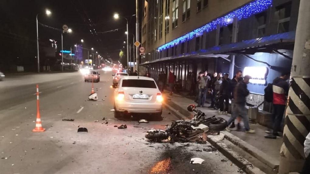 Молодой омич погиб в массовой аварии, которая произошла на центральной улице