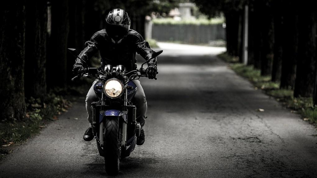 Омич заплатит 2,4 миллиона рублей за оторванную руку мотоциклиста
