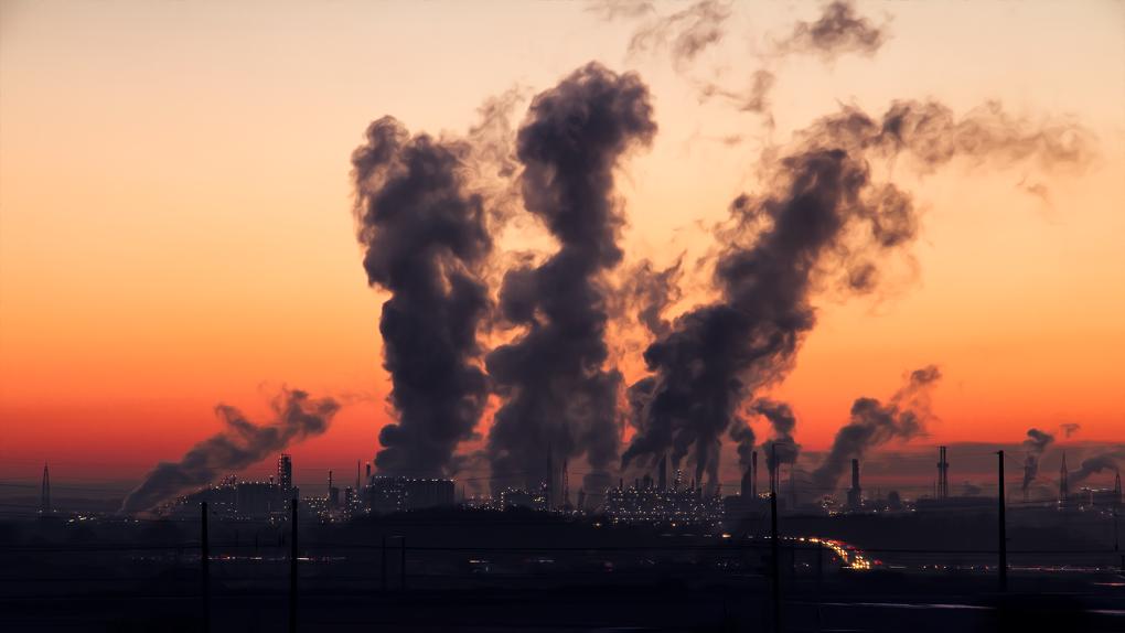 «Очень высокий» уровень загрязнения. За месяц в Омске пять раз находили этилбензол и хлороводород