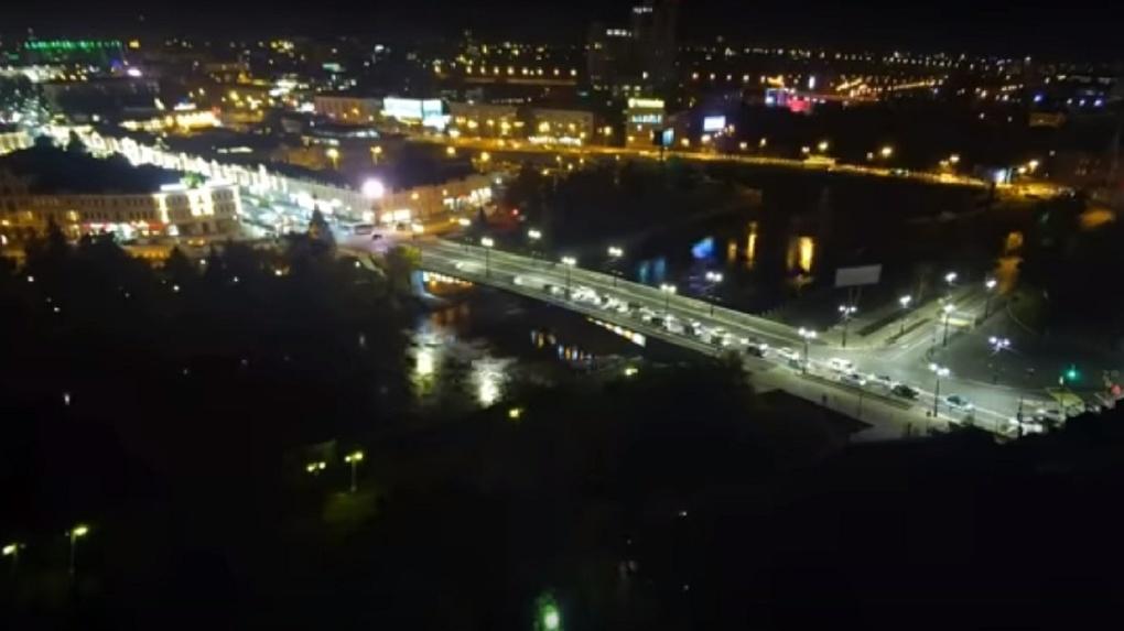 Ремонт Юбилейного моста в Омске превратили в короткометражку