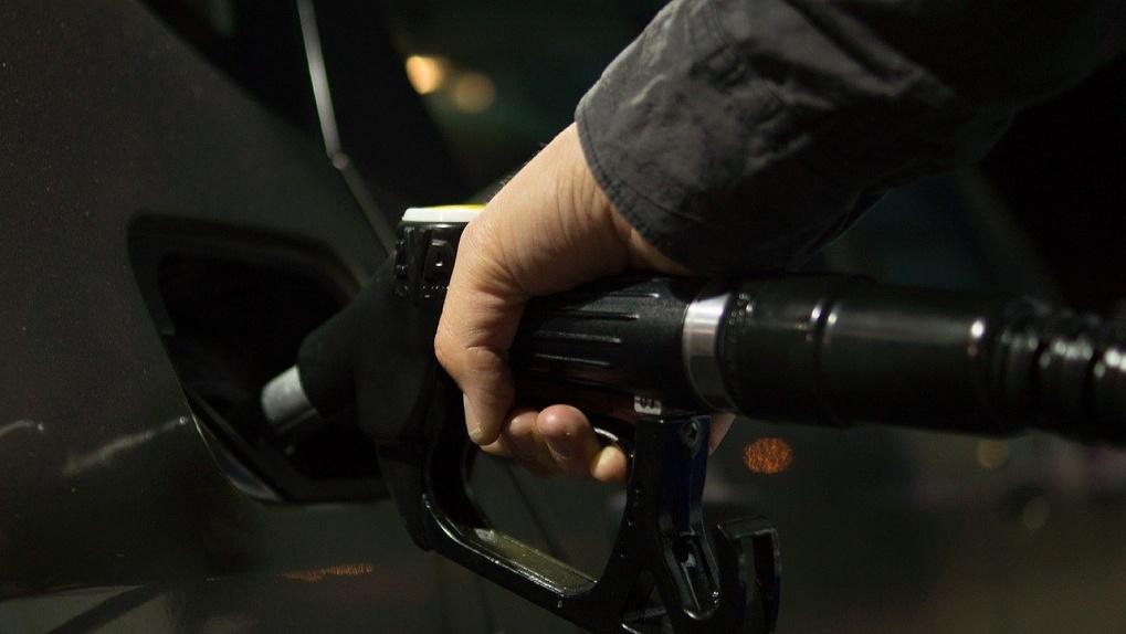 В Новосибирске резко выросли цены на бензин