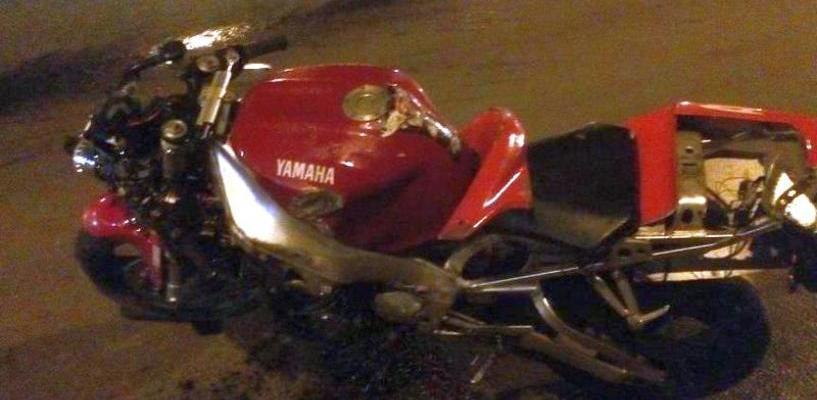 В Омске мотоциклист на зебре сбил девушку-пешехода