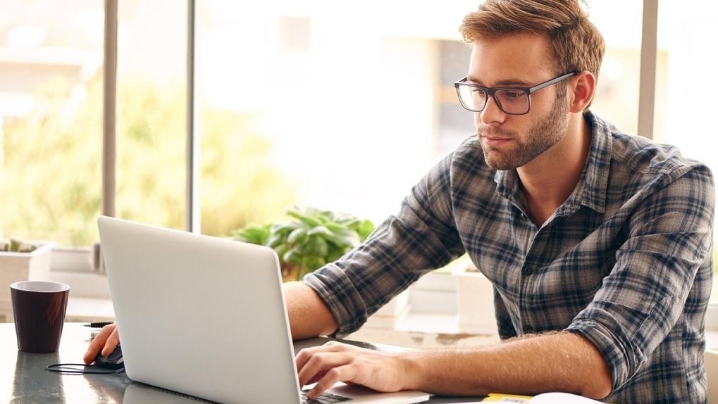 Новосибирцы смогут увольняться и уходить в отпуск по электронной почте