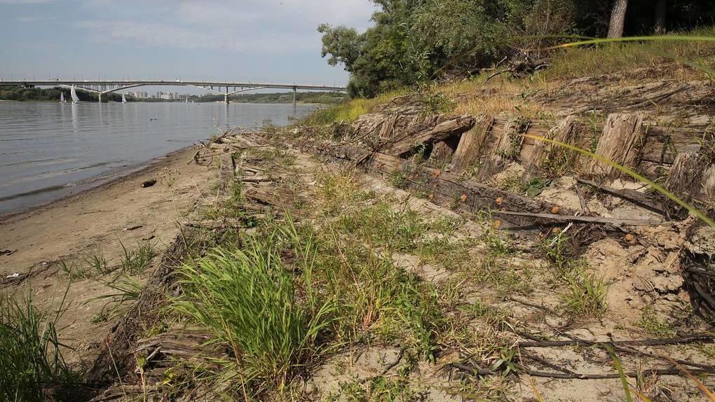 В Омске из-за обмеления Иртыша нашли останки корабля 19 века