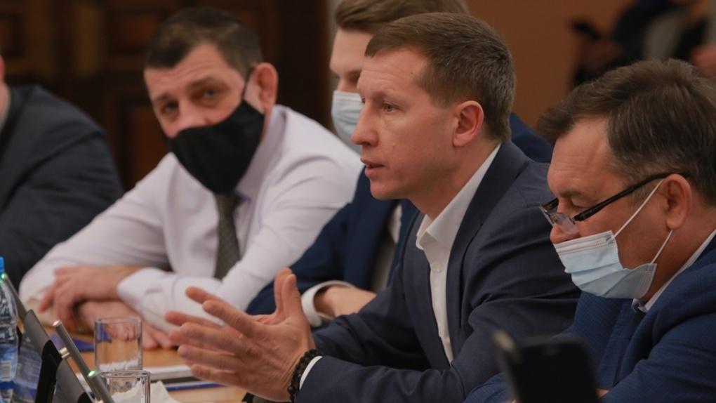 Горсовет в седьмой раз принял отчёт мэра Новосибирска