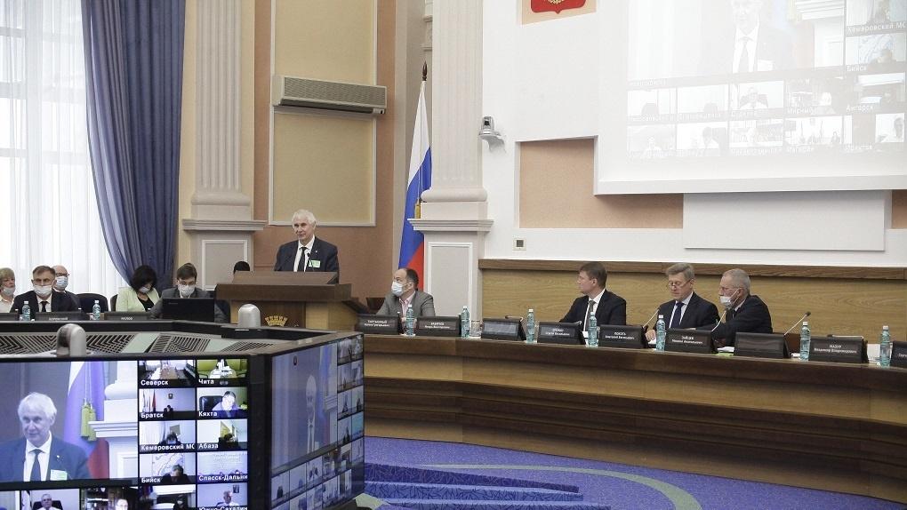 Мэра Новосибирска повторно выбрали вице-президентом Ассоциации сибирских и дальневосточных городов
